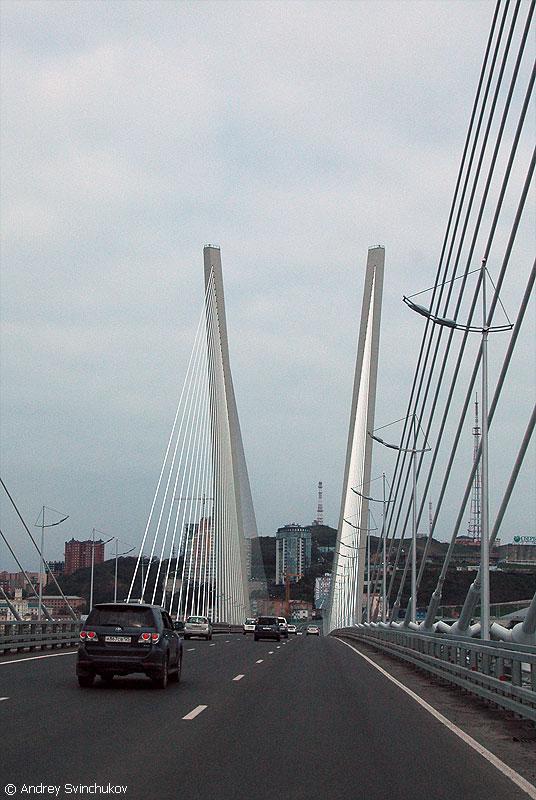 Благодаря этому мосту район на другой