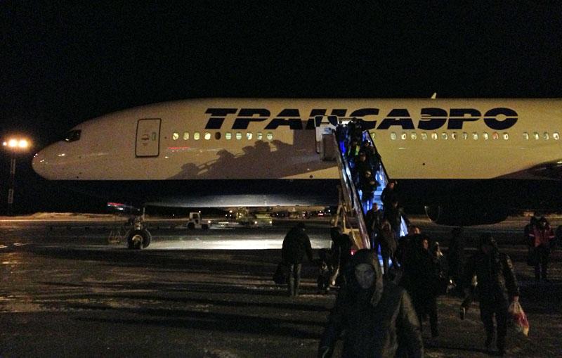 Взлет на Боинг-777-300 авиакомпании TRANSAERO