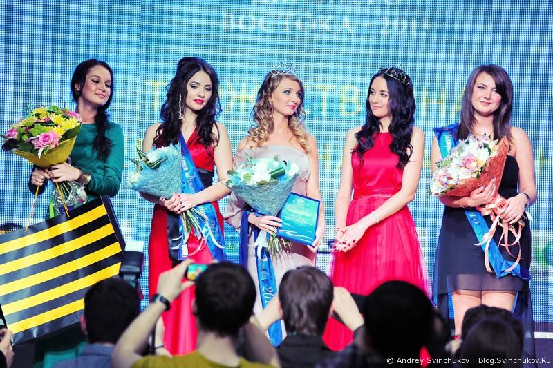 """Фотографии с церемонии награждения """"Мисс Интернет Дальнего Востока - 2013"""""""