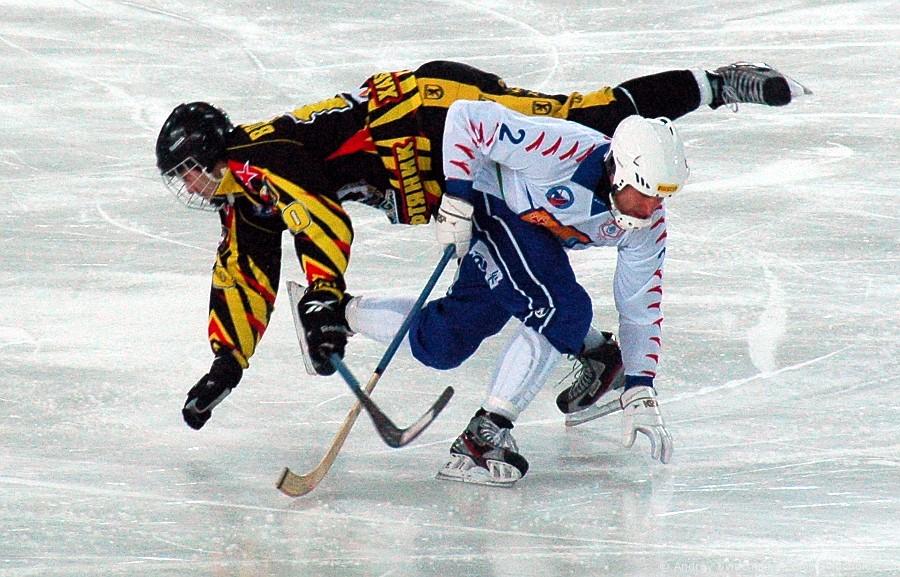 """Хоккей """"СКА-Нефтяник"""" - """"Родина"""""""