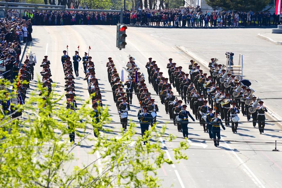 Парад в Хабаровске крупным планом