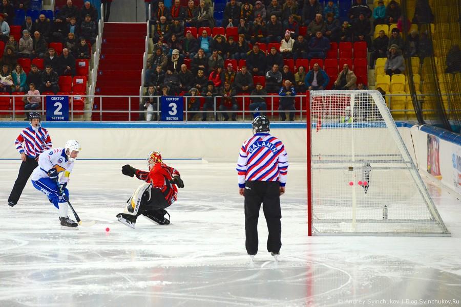 """Матч по хоккею с мячом """"СКА-Нефтяник"""" - """"Родина"""""""