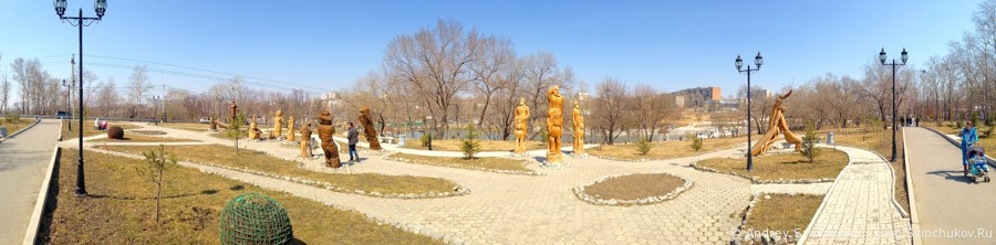 """Деревянные скульптуры в парке """"Северный"""""""