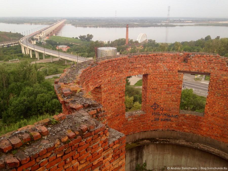 Дорога в восходе и Амурский мост с башни Инфиделя в Хабаровске