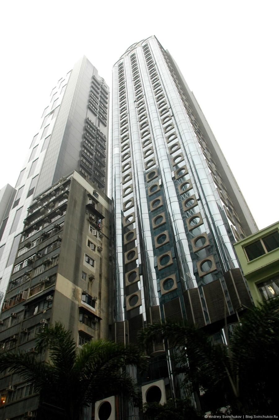 Неприлично много больших вертикальных фотографий зданий Гонконга