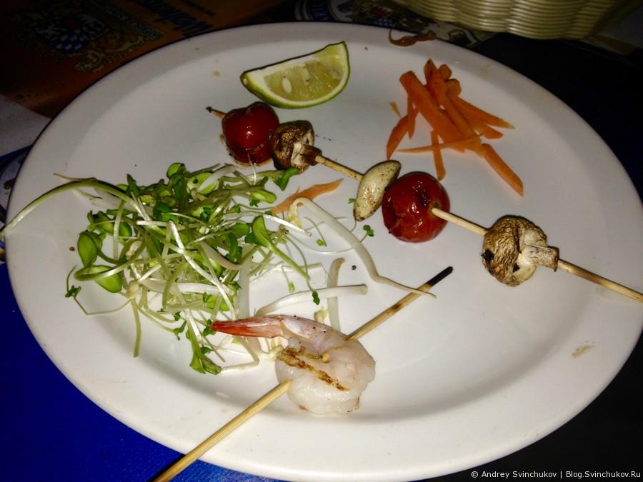 Ужин на берегу Средиземного моря