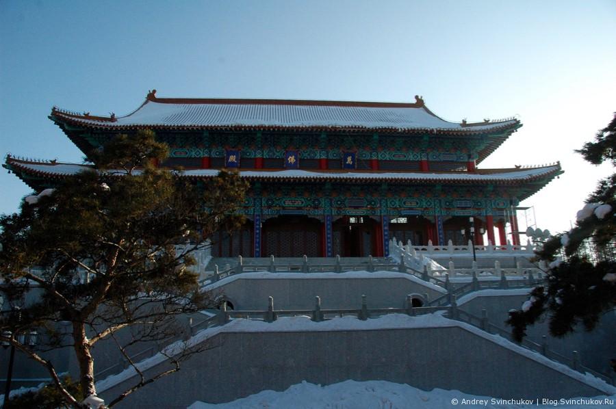 Буддийский храм в Цзямусах