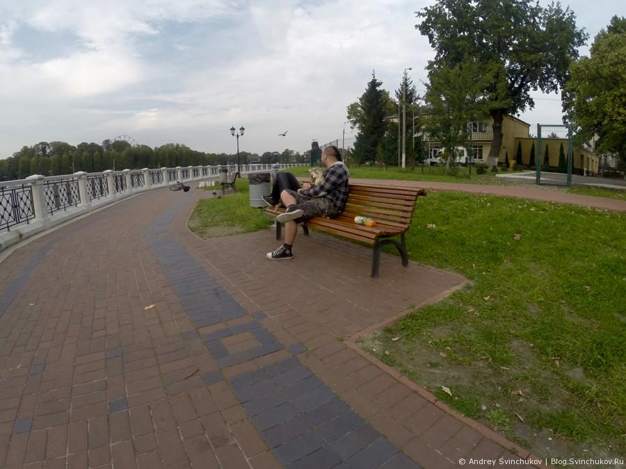 Калининград. Вдоль большого озера