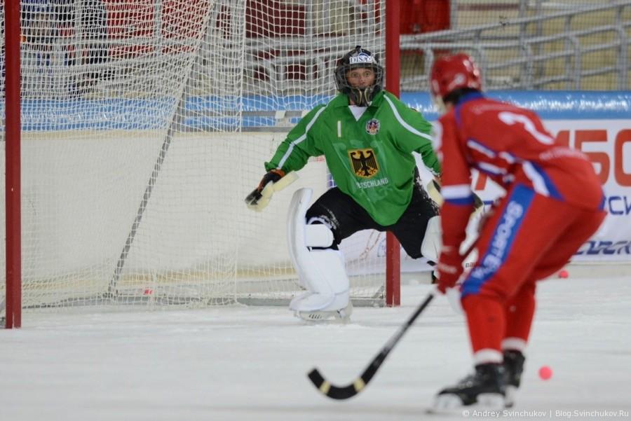 Чемпионат мира по хоккею с мячом — 2018. Матч четвертьфинала Россия - Германия