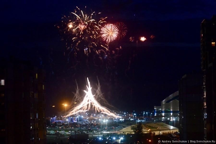 Фейерверк в Хабаровске в честь Дня России