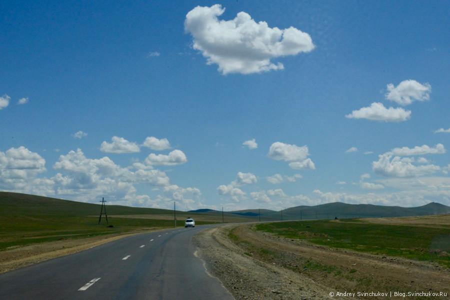 Монголия. Дорога на Улан-Батор и город Баруунхараа