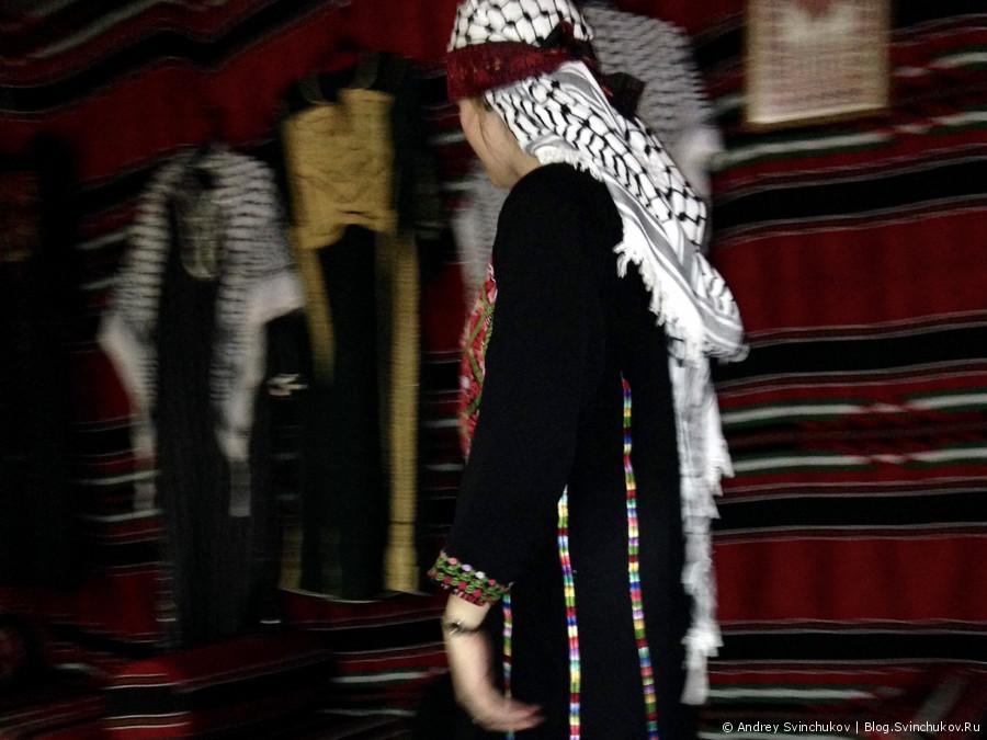 Ресторан быстрого питания Christmas Bells в палестинском Вифлееме
